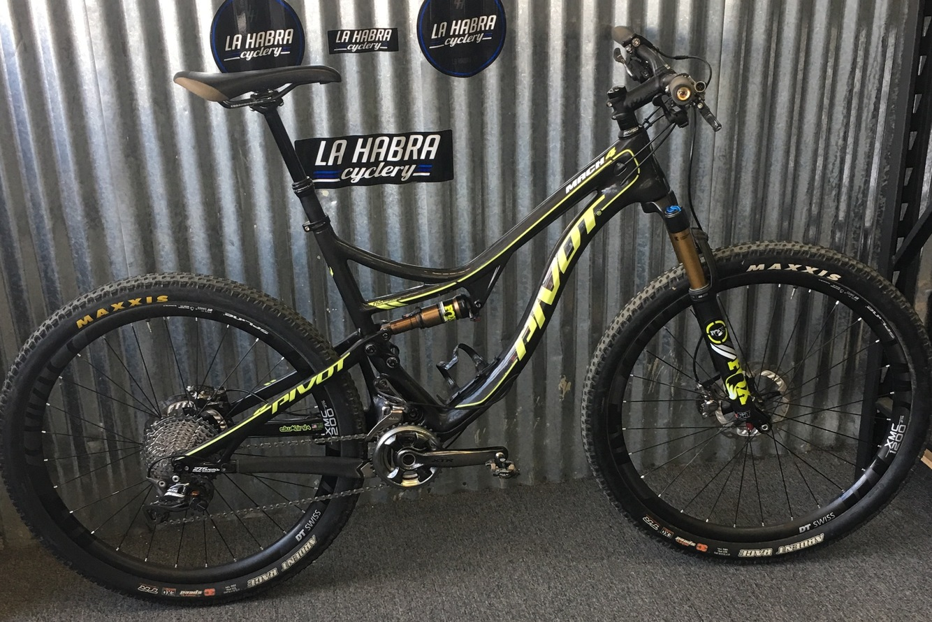 2016 Pivot  Mach 4 Carbon Large