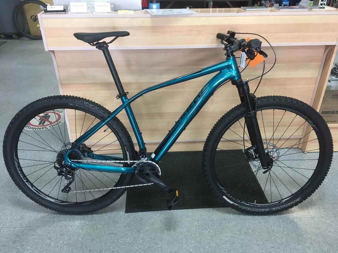 2017 Specialized  Rockhopper Pro Medium